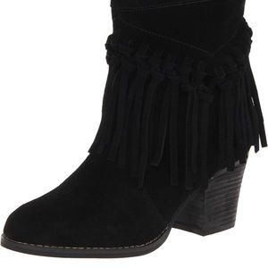 Sbicca pull on fringe black booties